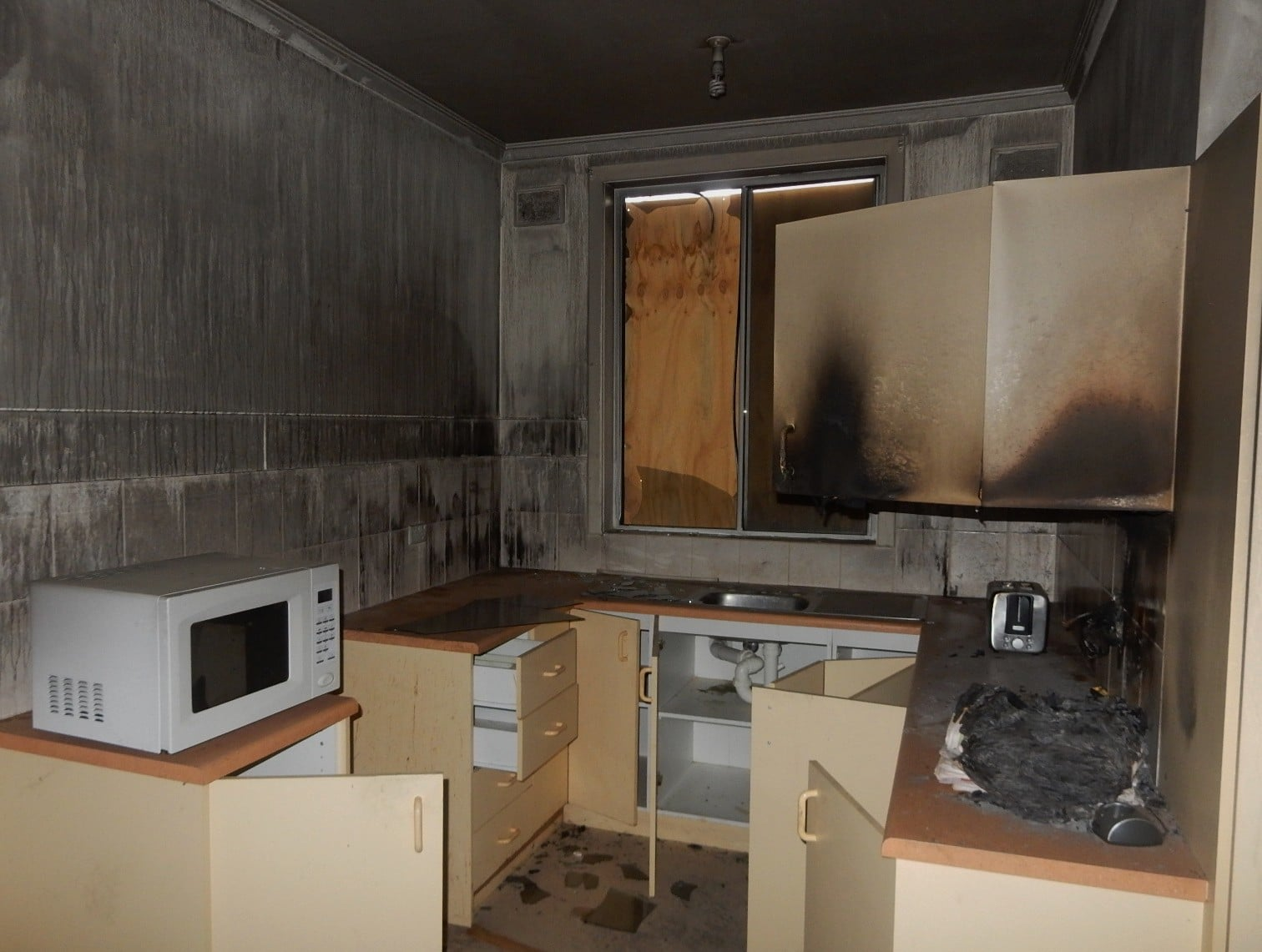 Home Damage that Can Benefit from Reconstruction Services