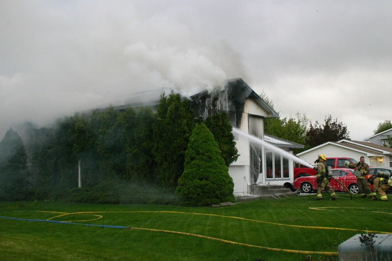 4 Ways Zona Professionally Restores Your Home After a Fire